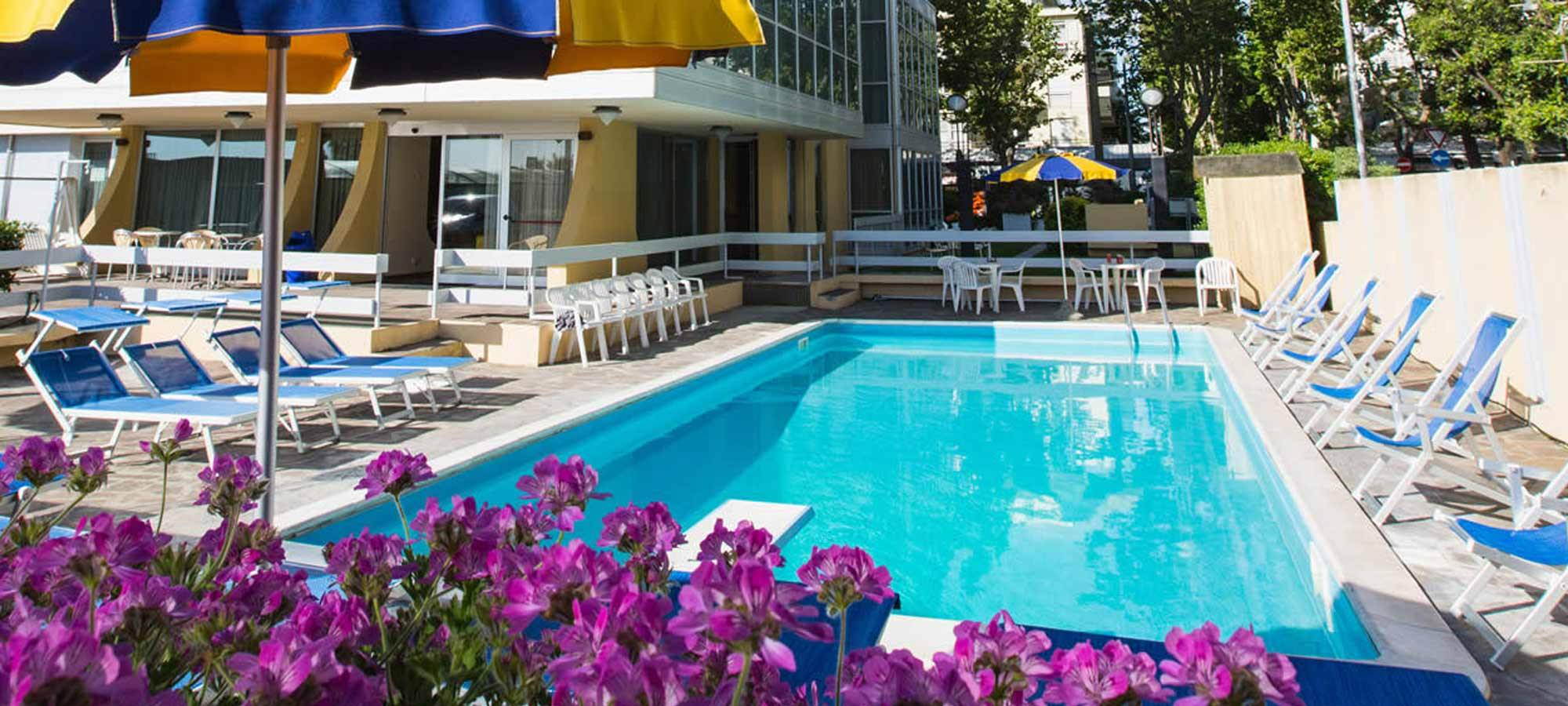 Merveilleux 3 Star Superior Hotel Rimini With Pool And Sun Deck Area Surrounded By  Greenery | Hotel